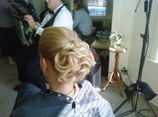 Beautifull Full Updo style for Bride